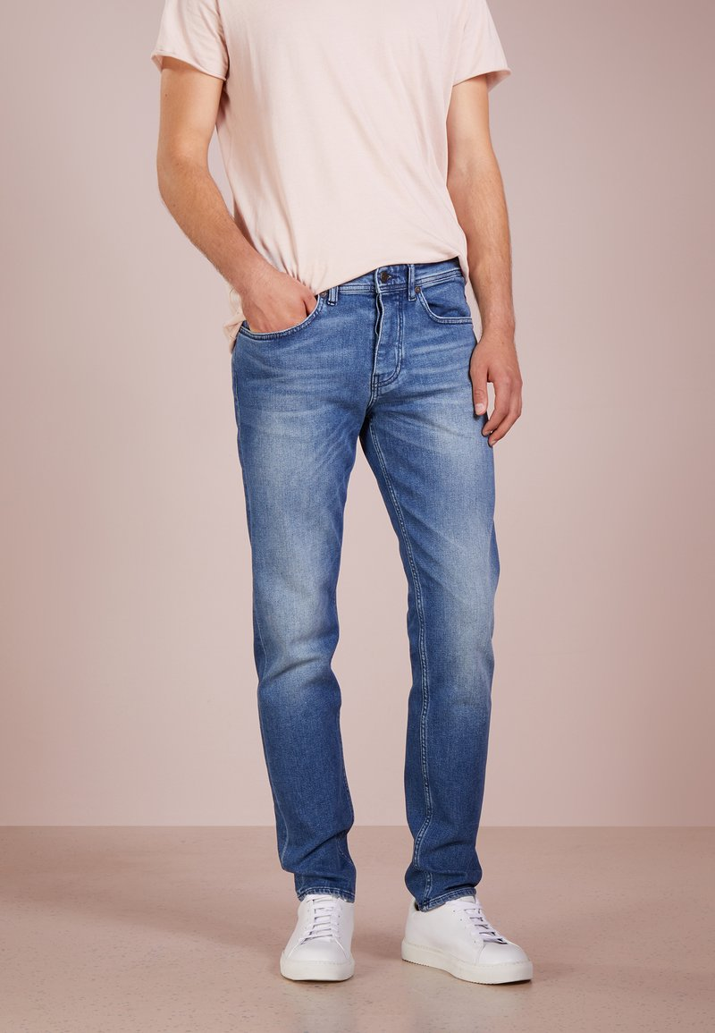 BOSS - TABER - Jeans Tapered Fit - bright blue