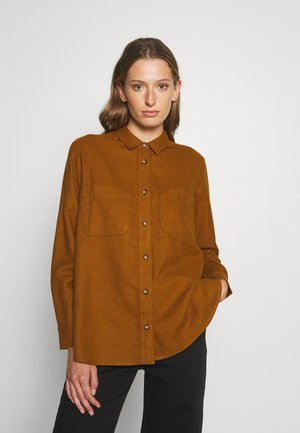 SWINGY SOLID  - Button-down blouse - dried cedar