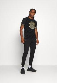 Glorious Gangsta - LANZO  - T-shirt con stampa - black - 1
