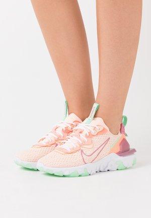 REACT VISION - Trainers - crimson tint/desert berry/atomic pink/cucumber calm/white