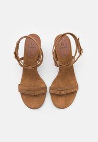 L'Autre Chose - HEEL - Sandaler - camel - 4