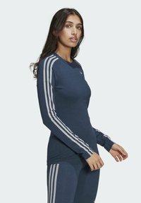 adidas Originals - FAKTEN LONG SLEEVE TEE - Long sleeved top - blue - 2