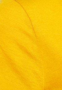 GAP - T-shirt basic - rugby gold - 2