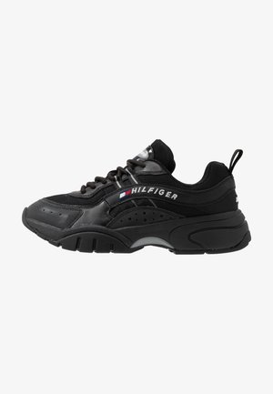HERITAGE RUNNER - Sneaker low - black