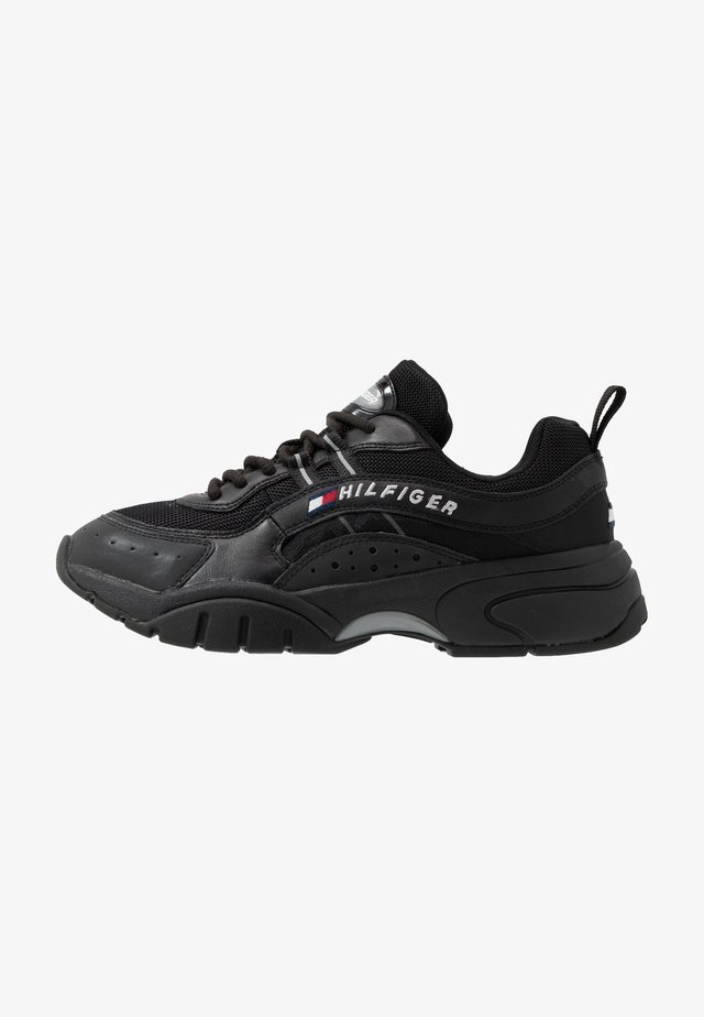 HERITAGE RUNNER - Sneakers laag - black