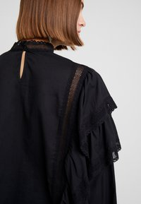 Carin Wester - BLOUSE ABIA - Blouse - black - 5