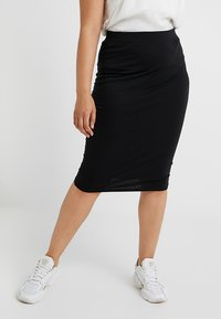 Missguided Plus - CURVE MIDI SKIRT - Pencil skirt - black - 0