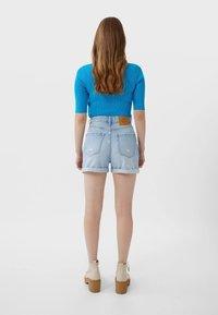 Stradivarius - MOM-FIT - Denim shorts - dark blue - 2