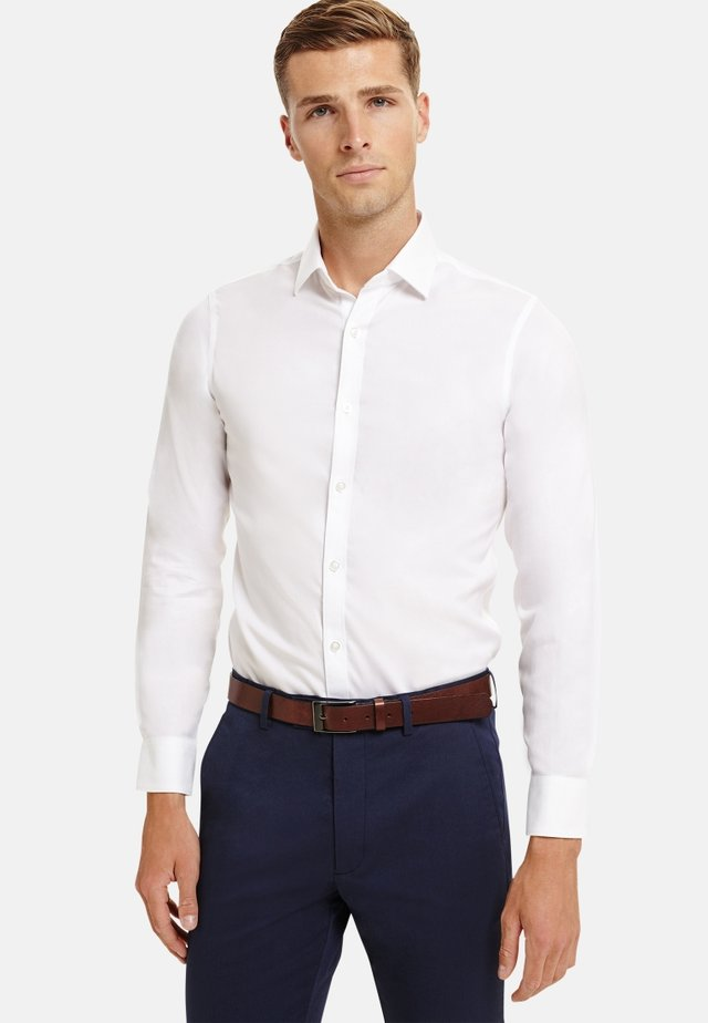 SUPER FITTED TWILL - Shirt - white