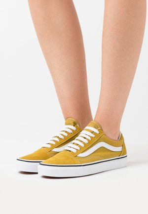 OLD SKOOL UNISEX - Sneaker low - olive oil/true white