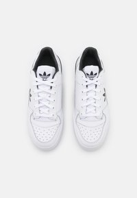 adidas Originals - FORUM BOLD - Joggesko - footwear white/core black - 3