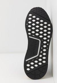adidas Originals - NMD_R1 - Matalavartiset tennarit - clear black/carbon - 6
