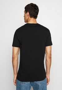 Vivienne Westwood - DANGERO CLASSIC - T-shirt con stampa - black - 2