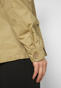 Schott - REDWOOD - Summer jacket - sand - 6