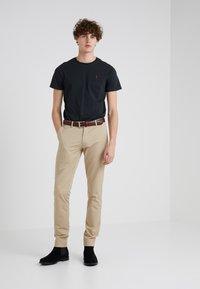 Polo Ralph Lauren - TAILORED PANT - Trousers - classic khaki - 1