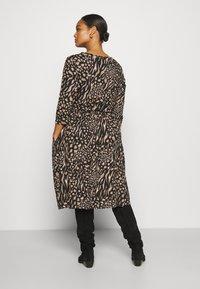 CAPSULE by Simply Be - MIDI 3/4 SLEEVE SMOCK DRESSES 2 PACK - Jersey dress - black - 2
