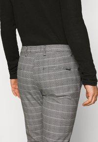 Gabba - PISA PETIT CHECK - Trousers - brown - 3