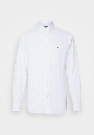 DOBBY - Košile - white