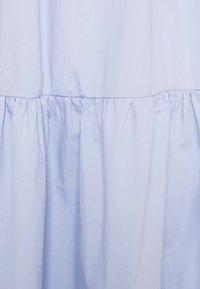 Missguided Tall - MIDAXI SMOCK DRESS - Maxi dress - baby blue - 2