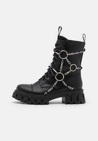 Koi Footwear - CYRUS - Šněrovací kotníkové boty - black - 0