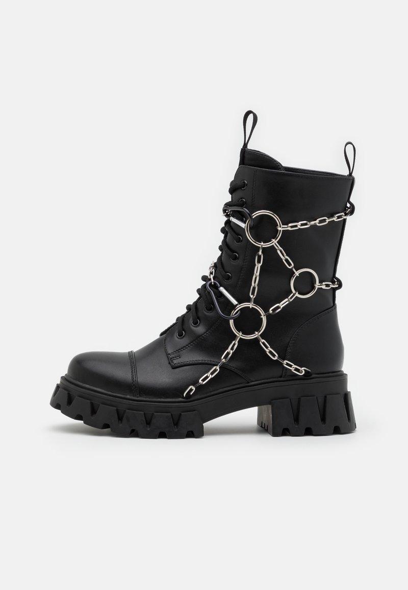 Koi Footwear - CYRUS - Šněrovací kotníkové boty - black