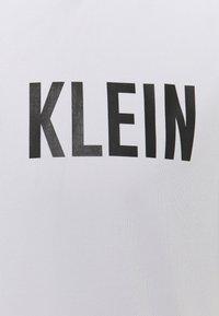 Calvin Klein Performance - Print T-shirt - antique grey - 2