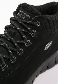 Skechers - SYNERGY-WINTER NIGHTS - Sneaker high - black - 5