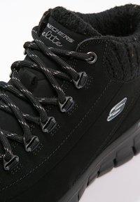 Skechers - SYNERGY-WINTER NIGHTS - Zapatillas altas - black - 5