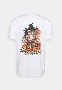 Nominal - STREET FIGHTER TEE - Print T-shirt - white - 1