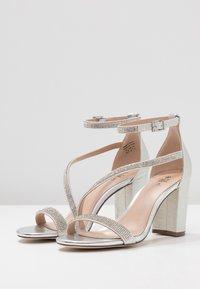 Call it Spring - AZARIA - Sandaler med høye hæler - silver - 4