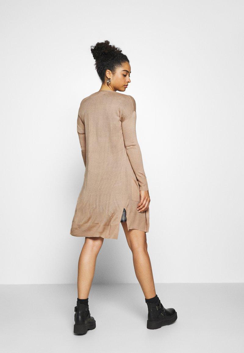 Even&Odd BASIC- long cardigan - Strickjacke - light camel/camel 8EocPA