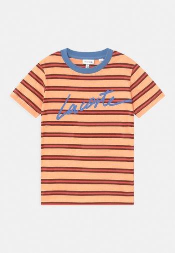 T-shirts print - ledge/turquin blue/penumbra/crater
