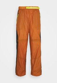 TRACK PANT - Tracksuit bottoms - monarch/black/opti yellow