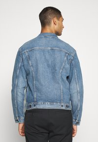 Levi's® - THE TRUCKER JACKET UNISEX - Giacca di jeans - triad trucker - 2