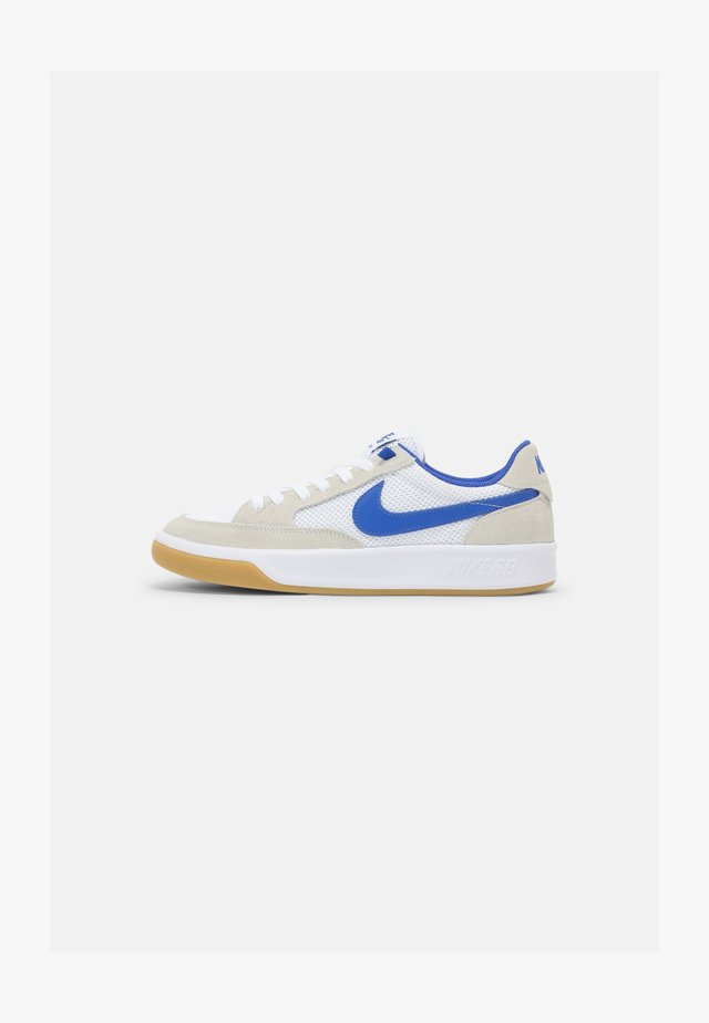 NIKE ADVERSARY - Skate shoes - summit white/hyper royal/white gum/light brown