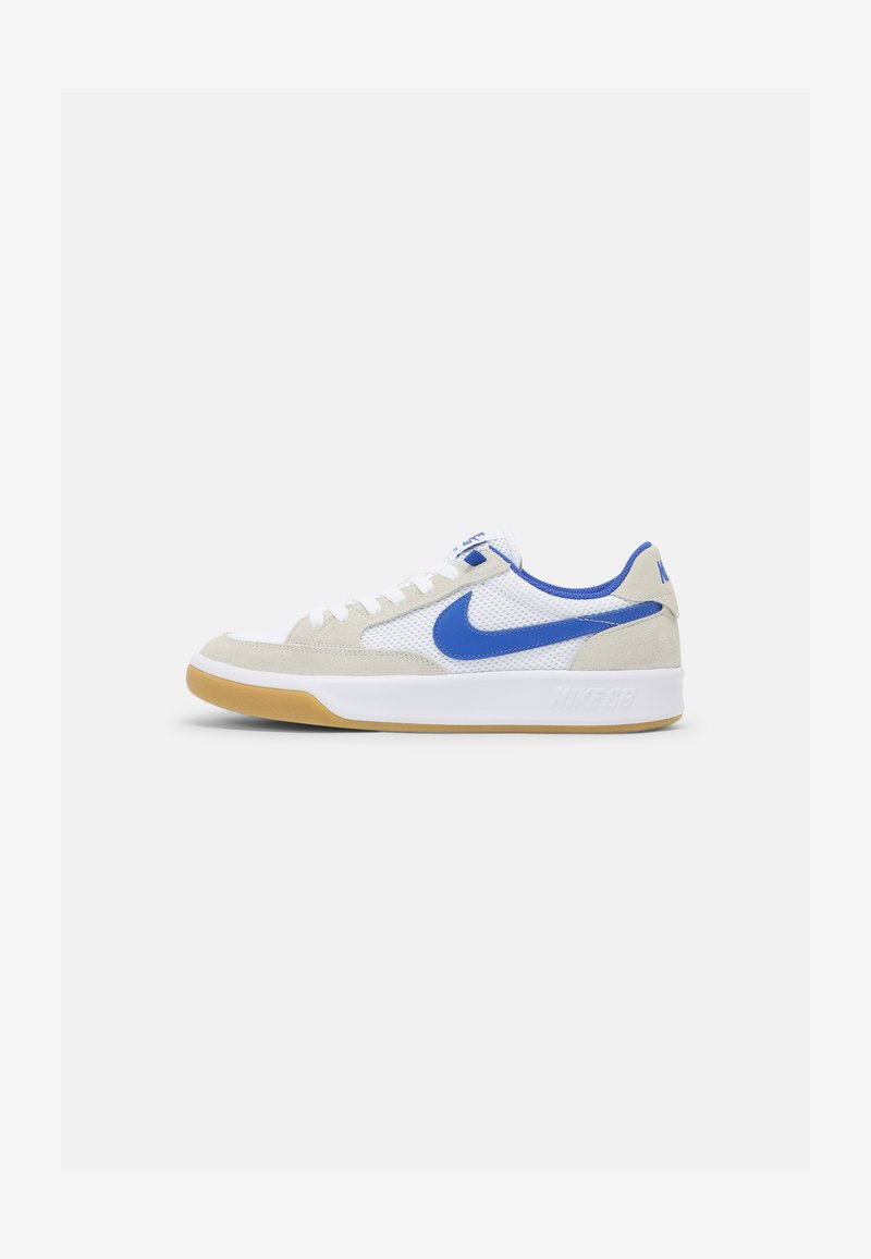 Nike SB - ADVERSARY UNISEX - Skate shoes - summit white/hyper royal/white gum/light brown