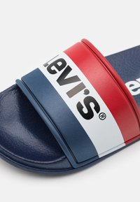Levi's® - POOL UNISEX - Mules - navy/red - 5