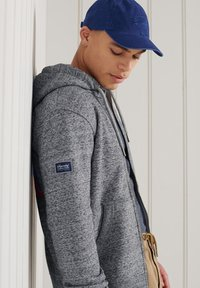 Superdry - HERITAGE MOUNTAIN GRAPHIC - Zip-up hoodie - flint grey grit - 2
