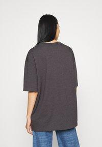 Jordan - W J ESSEN TEE - Basic T-shirt - thunder grey/heather black - 2