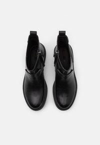 Geox - ASHEELY - Kotníkové boty na platformě - black - 5