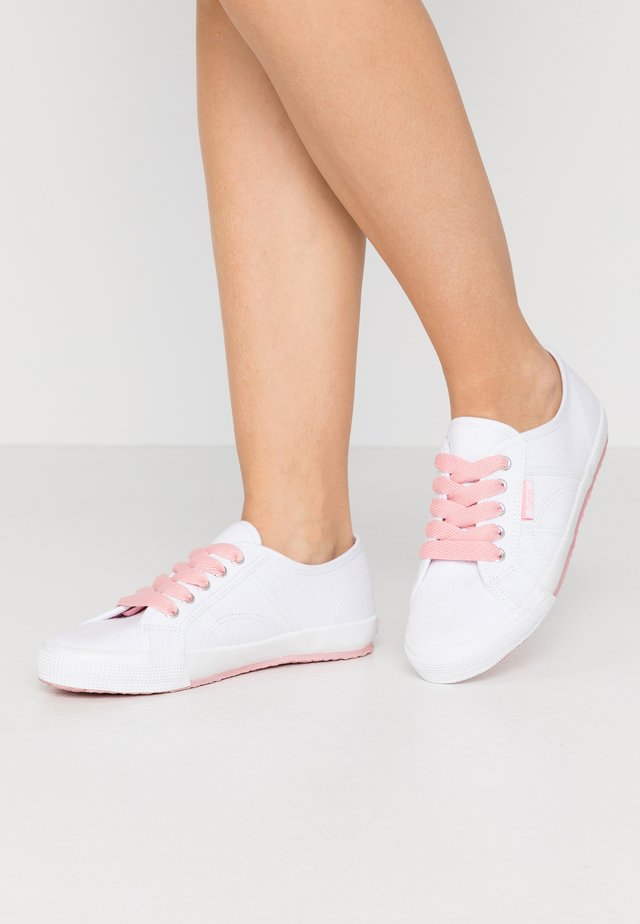 ITALIA LACE UP - Trainers - pink
