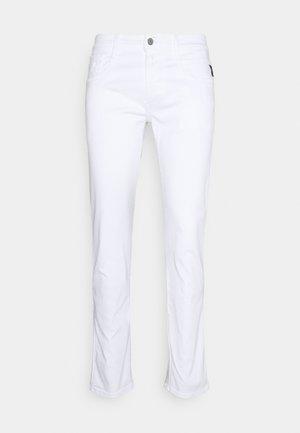 ANBASS HYPERFLEX - Jeans slim fit - white