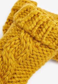 Next - CABLE  SET - Gorro - yellow - 3