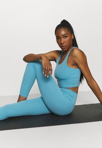 Nike Performance - THE YOGA LUXE 7/8 - Legging - cerulean/light armory blue - 3