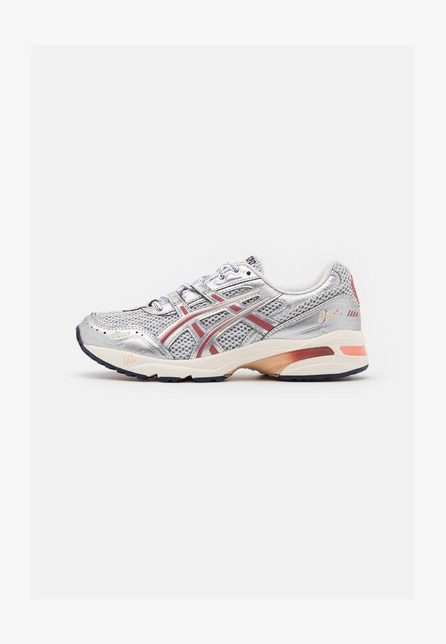 GEL-1090 - Sneakers laag - glacier grey/pure silver