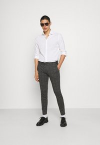 Only & Sons - ONSMARK CHECK PANTS - Trousers - black - 1