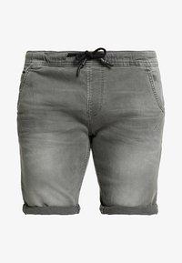 TOM TAILOR DENIM - Szorty jeansowe - clean bleached grey denim - 4