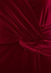 Miss Selfridge - VELVET WRAP MIDI DRESS - Cocktail dress / Party dress - red - 2