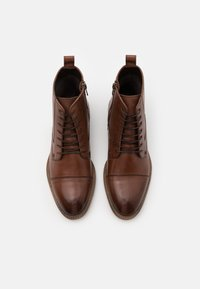Pier One - Šněrovací kotníkové boty - dark brown - 4
