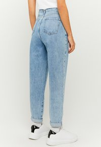 TALLY WEiJL - SLOUCHY - Relaxed fit jeans - blu - 2